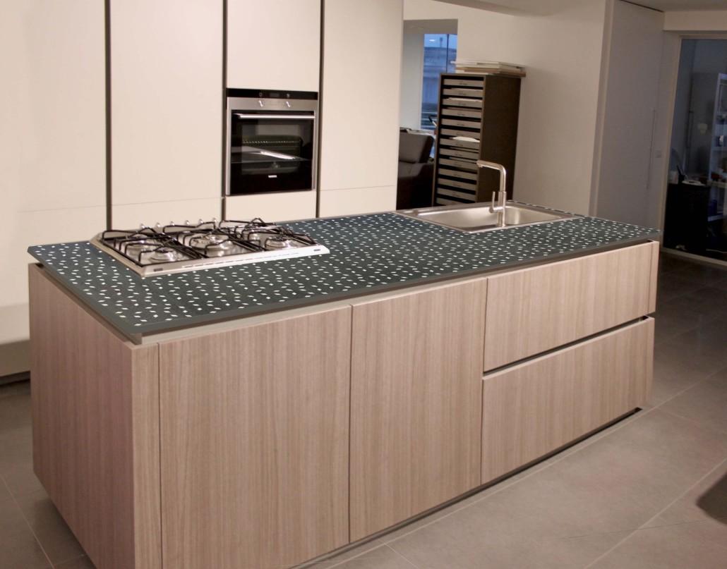 Top cucina in pietra lavica sgarlata lavorazione marmi e pietra lavica maiolicata - Top cucina stone ...